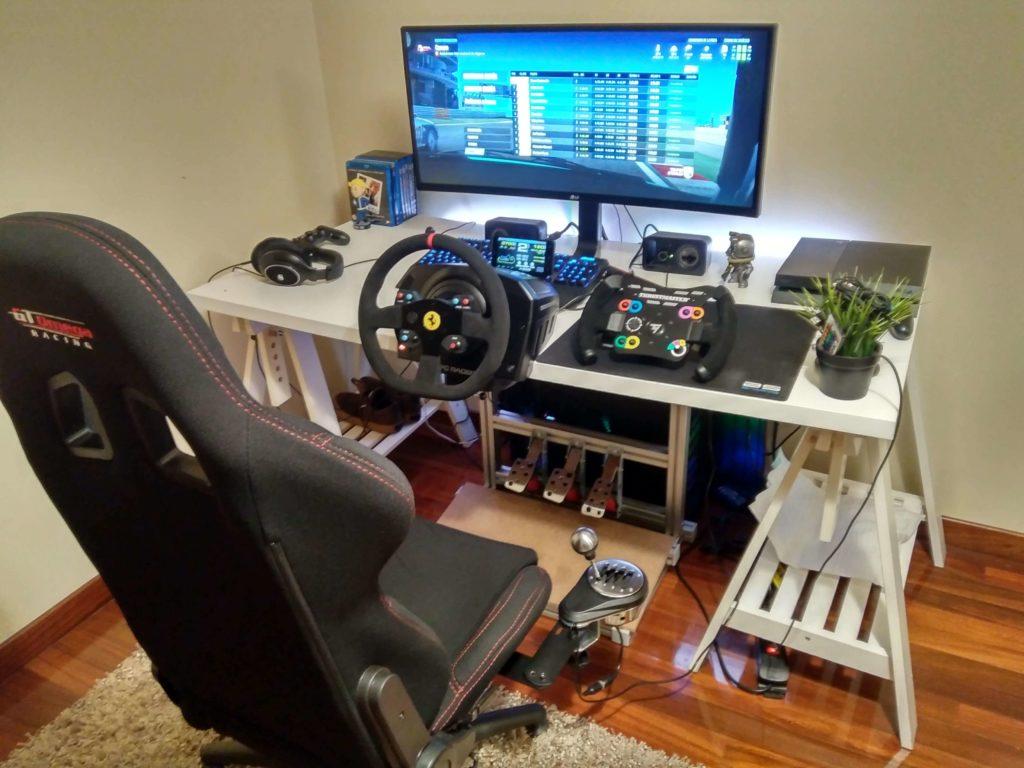 Sim Racing Schreibtisch